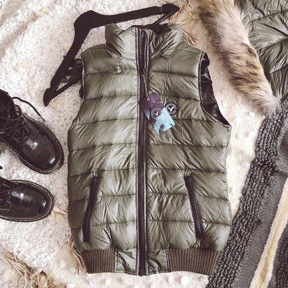 American Eagle Outfitters Jackets & Blazers - NWT AEO Puffer Vest